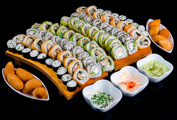 100 piezas de sushi + 10 bocados en Peñalolen
