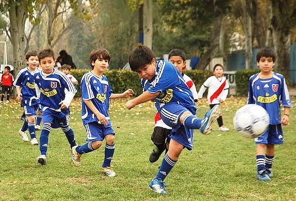 Clases de fútbol en Escuela Oficial Universidad de Chile