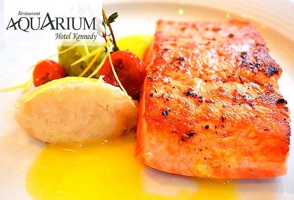 Almuerzo o cena para 2 en Restaurant Aquarium Hotel Kennedy.