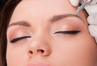 Perfilado de Cejas + Maquillaje Semipermanente. Las Condes