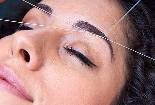 Depilación facial con hilo, rostro completo en Providencia