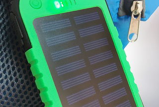Cargador Solar Portátil Impermeable 5.000 mAh USB