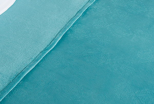 Frazada Flannel Embossed Ultra Suave color a elección