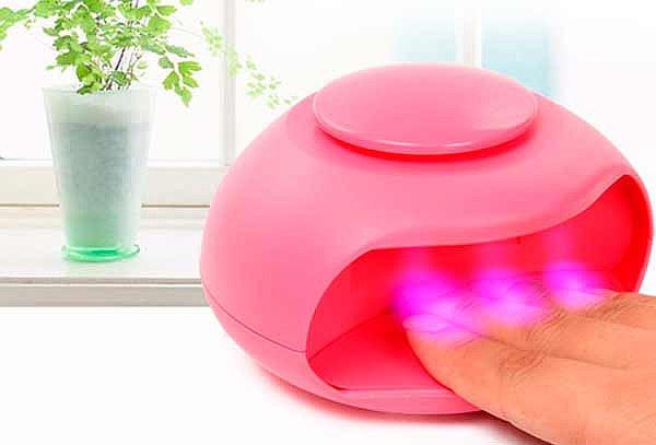 Mini Secador de Uñas a Pilas