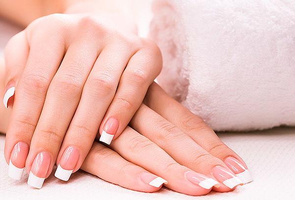 Manicure Permanente + Exfoliación con un color