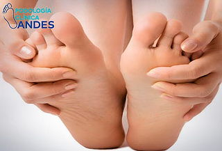 Podología clínica + hidratación + masaje podal
