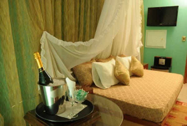 Motel Amor Amor: 3 o 12 Horas + Tragos y Más, Providencia