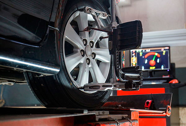 Alineación + balanceo + rotación de neumáticos