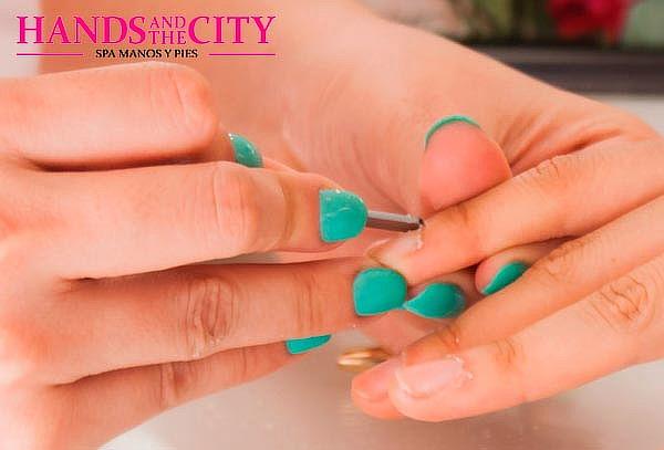 Manicure y Pedicure en Hands and The City, Vitacura