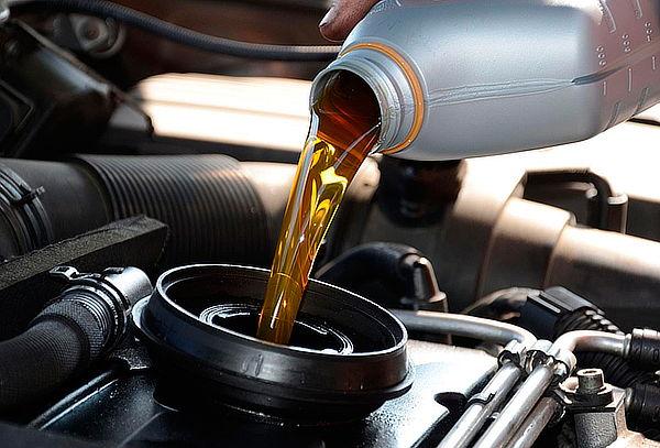 Cambio de aceite + rotación de neumáticos y mas