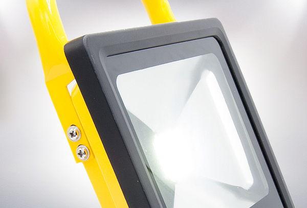 Foco Luz Led de 10 y 20 W Recargables