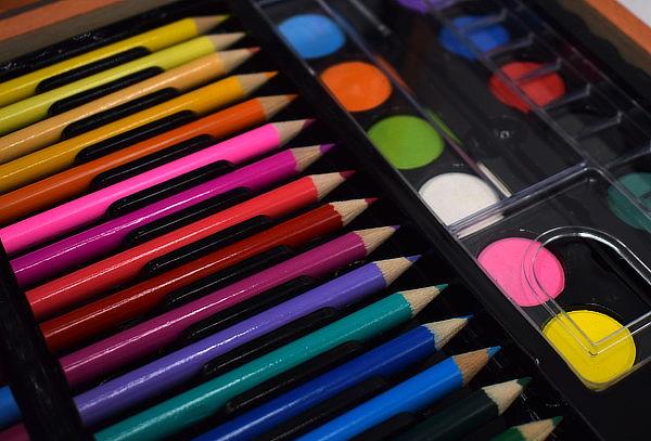 Maleta de Lápices para Niños 150 Piezas