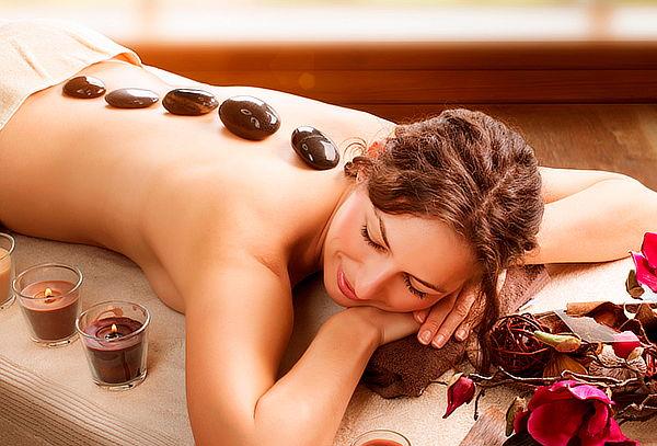 Masaje de relajación + descontracturante + piedras calientes