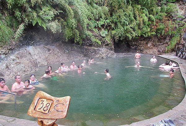 Termas Malleco: 1 o 2 entradas para adulto en piscinas