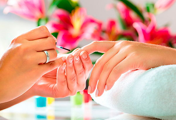 Manicure Full + 1 Tono Esmaltado, Vitacura