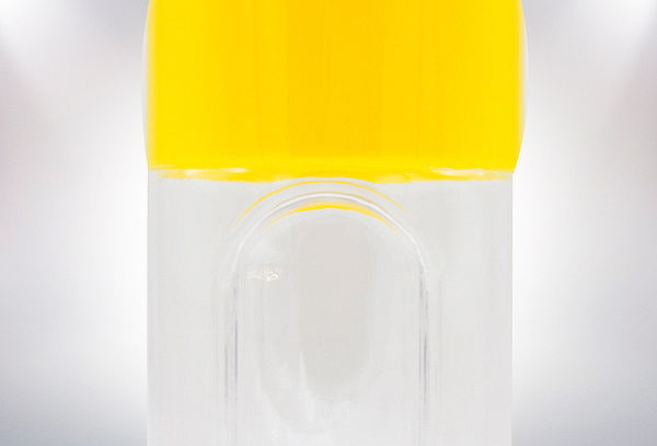 Botella con Pastillero y Vaso