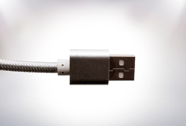 Cable USB para Smartphone o iPhone