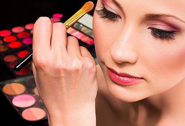 Curso Online de Estética Corporal y Maquillaje