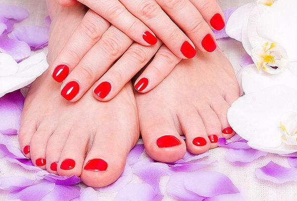 Manicure y Pedicure  Permanente