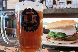 2 Schops Stella de 500 cc + 2 Sándwiches en Bar The Clinic