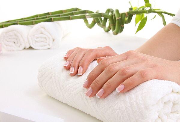 Manicure Completa + Esmaltado + Exfoliación en Providencia