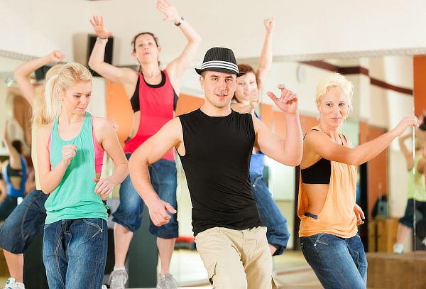 16 Clases de Baile Reggeaton y House