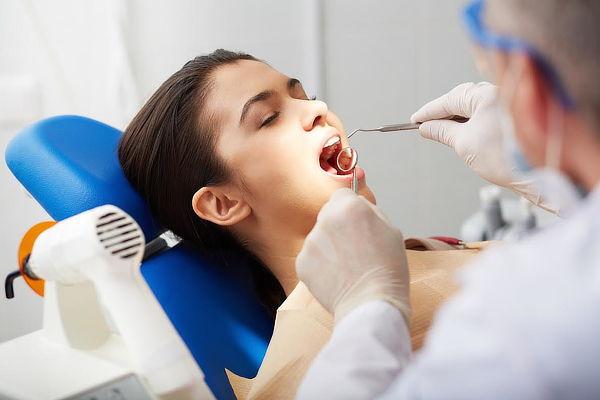 Blanqueamiento LED y Limpieza en Dental Pagliari