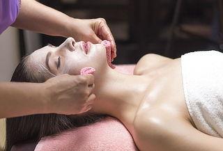 Limpieza Facial + Vapor Ozono + Máscara Hidratante y Más