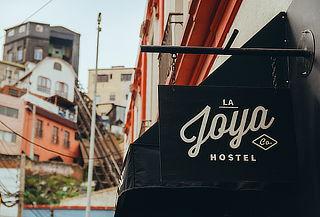 Escápate! 2 Noches Para 2! en Hostal La Joya, Valparaíso