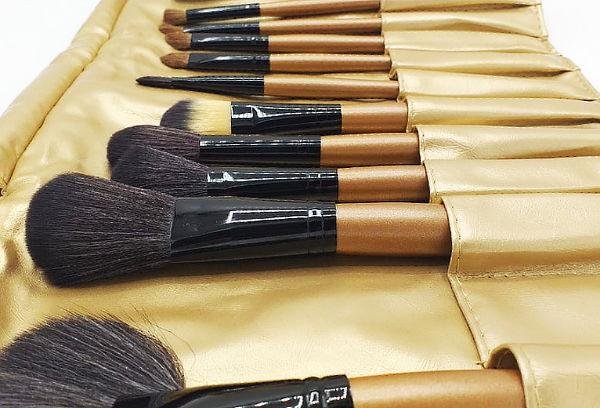 Set de 24 Brochas para Maquillaje más Estuche