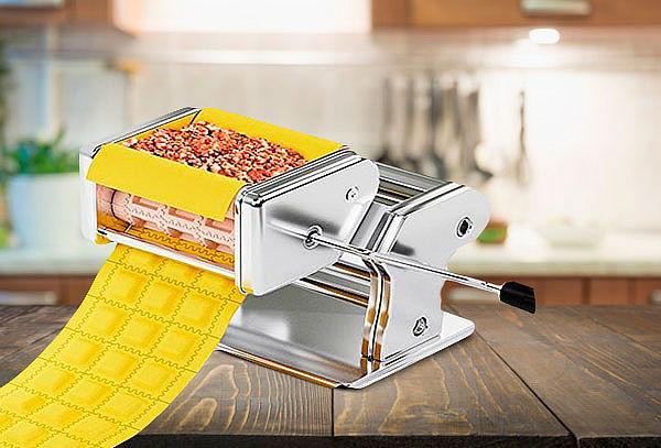 Maquina para hacer raviolis y estirar masas