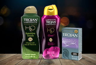 Pack trojan Premium 12 Ultra thin + Lubricante a elección