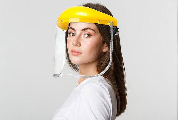 Casco Protector Antifluido Ajustable
