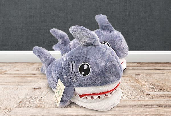 Pantufla Shark. Talla a elección