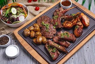 2 Parrilladas (Carne, Papas Fritas, Pollo, Longaniza) y MÁS