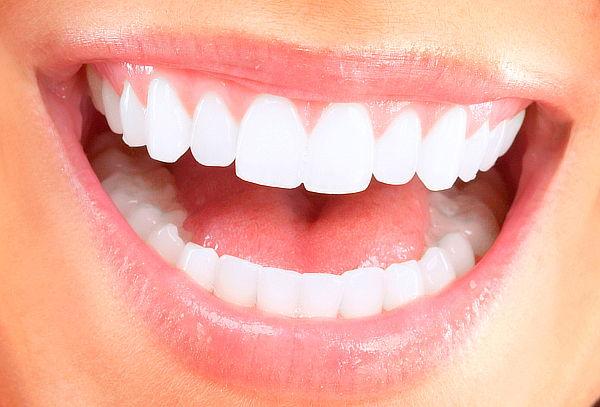 Limpieza Dental con Destartraje y Topicación de Flúor