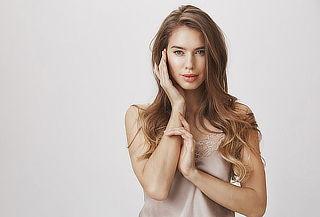 Limpieza Facial + Fototerapia + Mascarilla Hidratante y Más