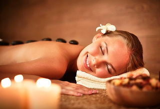 Masaje corporal + Compresas + Piedras Calientes para 1 o 2
