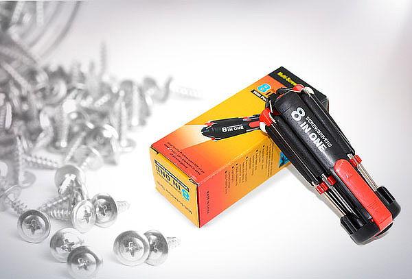 Desatornillador 8 en 1 con linterna LED