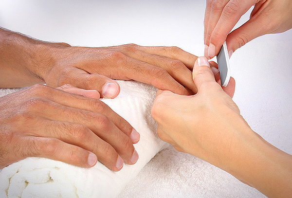 Manicure Completa para Hombres + Exfoliación e Hidratación!
