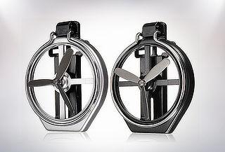2 Soportes de latas con ventilador para autos.