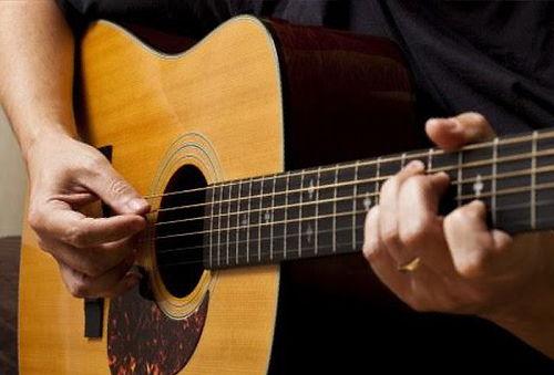 8 Clases de Guitarra en Santiago Centro.
