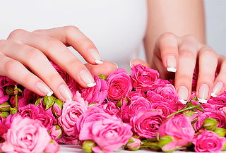 67% Manicure con Esmaltado Permanente  Normal. Providencia