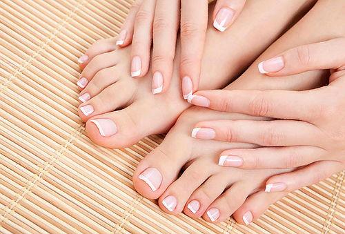 50% Manicure + Pedicure tradicional