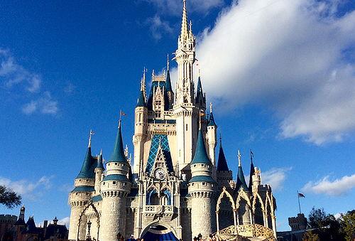 Orlando 5 Noches + Desayuno para 4 Personas + 100 USD Regalo
