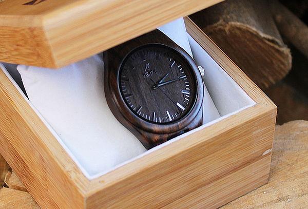 Reloj de Madera Black Nerfis