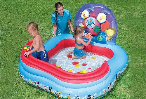 Centro de juego-piscina de Mickey