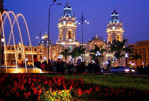 Lima en S. Santa: 4 días/3 noches, hotel, aéreo y más