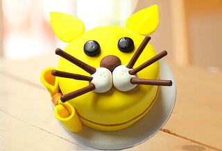 Torta Temática en Forma Gato para + 12 Cupcakes