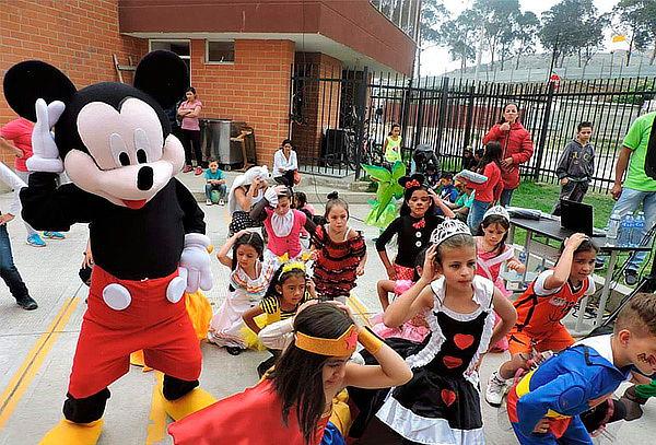 Fiesta Infantil a Domicilio para 25 Niños + Trucos de Magia